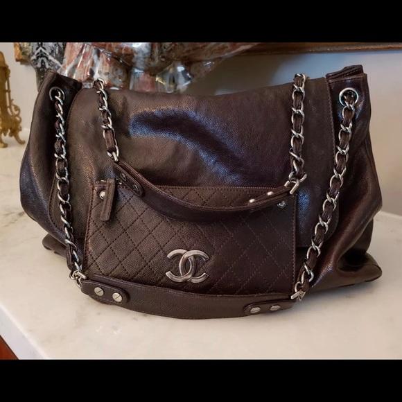 CHANEL Handbags - Authentic Chanel Brown Handbag in EUC Large! Nice 9df987da32